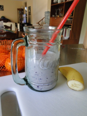 banana-blueberry- kefir- smoothie